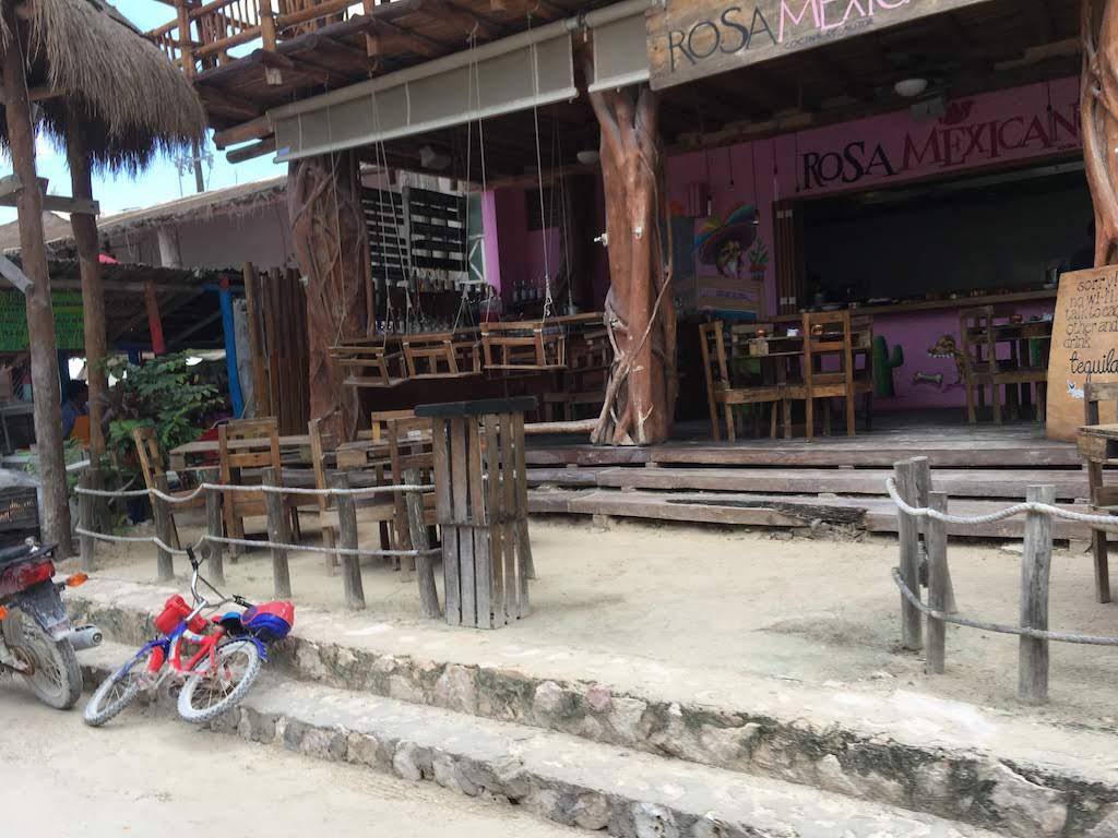 Rosa Mexicana bar